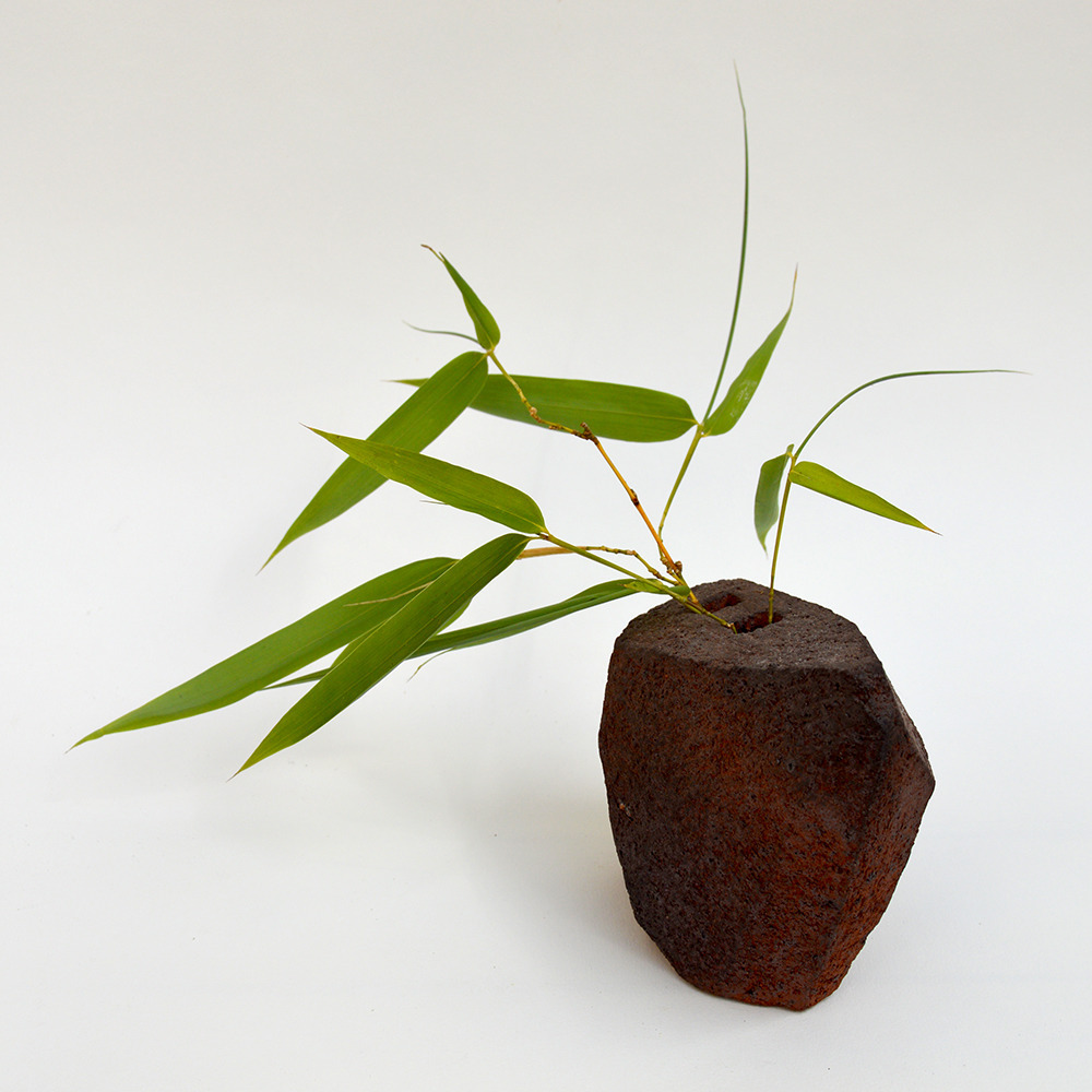 art-ceramique-vase-sculptural-en-gres-chamotte-14