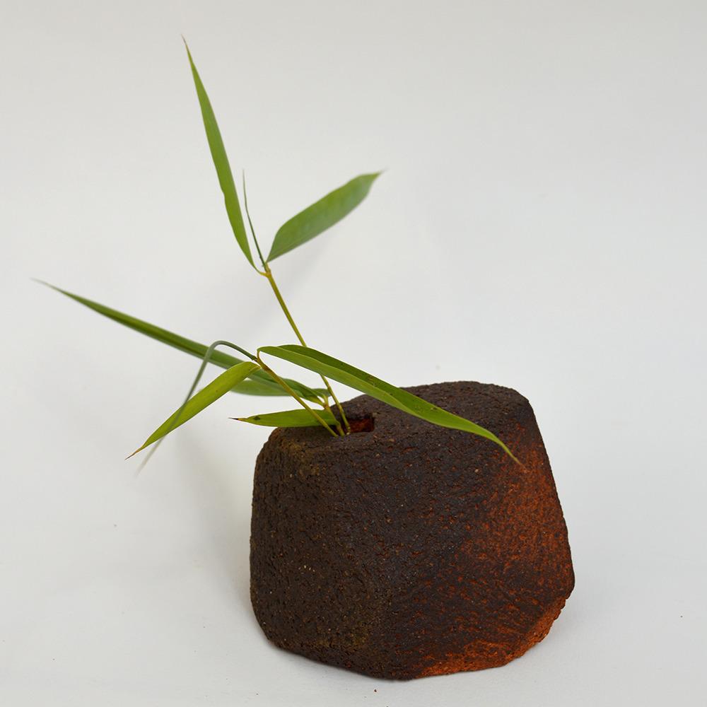 art-ceramique-vase-sculptural-en-gres-chamotte-9